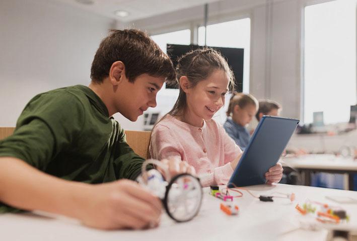 Empresas de TI abrem fronteiras para equipar escolas com Tecnologia