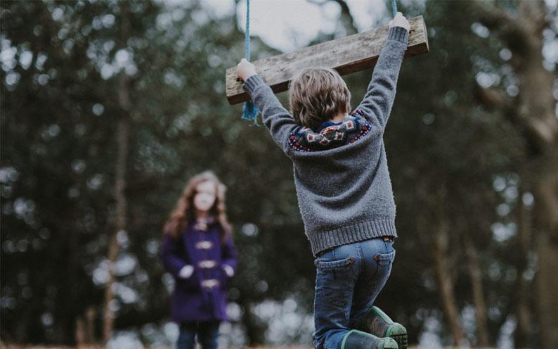 Brincar nas férias conecta pais e filhos