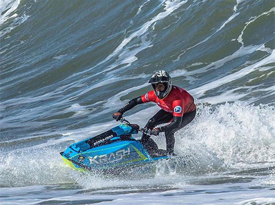 Bruno Jacob segue para última etapa do Mundial de Motosurf Freeride