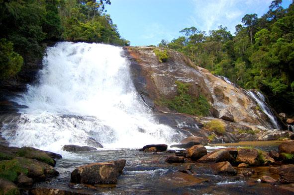 Feriado do Dia do Trabalho com trekking nas cachoeiras e picos da serra da Bocaina