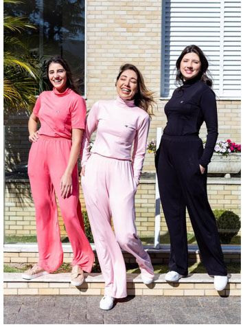 Dra Chica lança sua nova coleção de scrubs coloridos