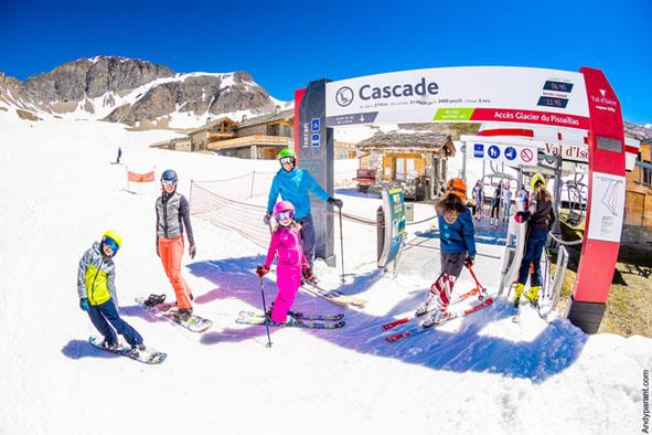 Val D Isere, uma das mais charmosas estacoes de esqui da Europa abre temporada