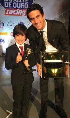 Gabriel Koenigkan, de 8 anos, é o vencedor do Capacete de Ouro na categoria Revelação
