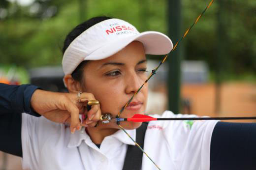 Jane Karla chega ao topo do ranking mundial de Tiro com Arco Paralímpico