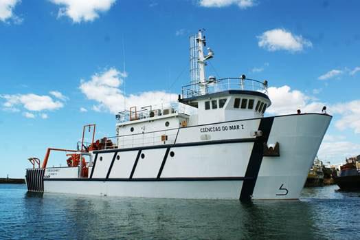 Professores de Oceanografia embarcam no Laboratório de Ensino Flutuante do MEC