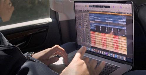 """MacBook Pro 16"""" começa a ser vendido no Brasil"""
