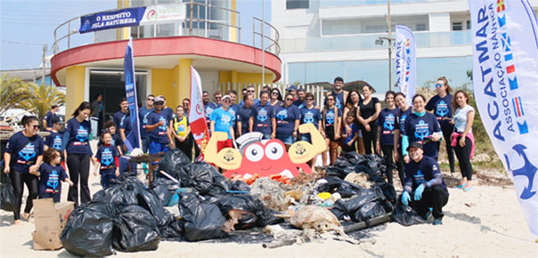 Projeto recolhe toneladas de lixo dos mares