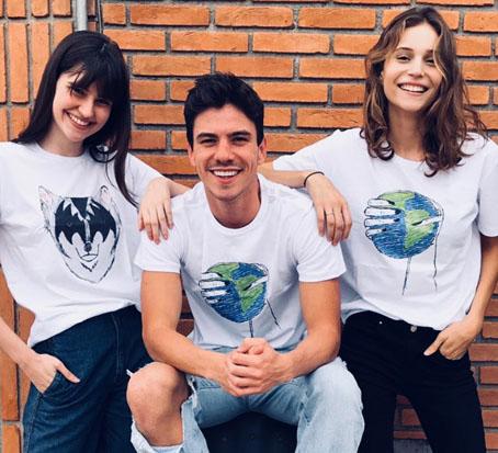 Vencedora de concurso de empreendedorismo lança linha de camisetas com marca famosa