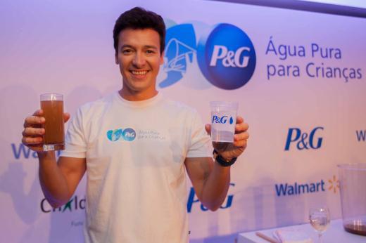 P&G traz para o Brasil o P&G Sachet, que transforma água contaminada em água limpa