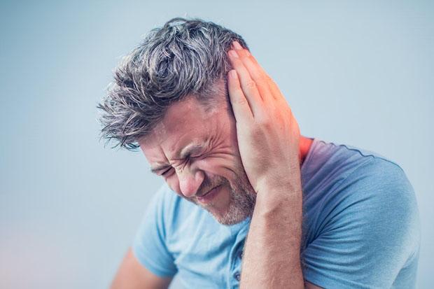 Zumbido no ouvido: quais os sintomas, causas e tratamentos